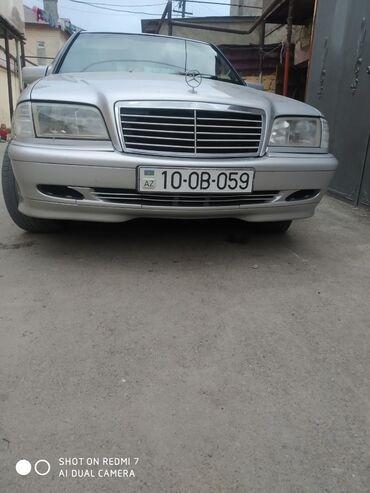 Mercedes-Benz Qobustanda: Mercedes-Benz 200 2 l. 1998