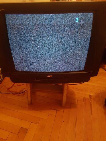 Televizor JVS 52 diogonal .Işlək vəziyətdə sadəcə knopkalarda problem