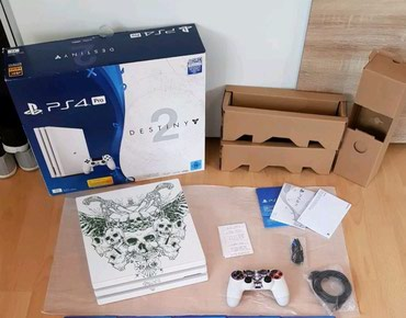 Sont playstation 4 pro with 2 controllers and 3 games σε Alexandroupoli
