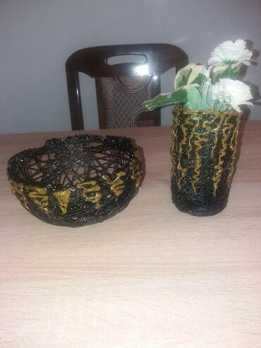 Ručna izrada. Manja korpica -činija i manja vaza sa cvetnim