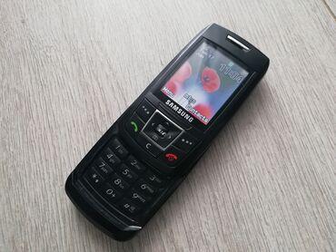 Samsung E250DOdlican i potpuno ispravan telefon.Radi na sve