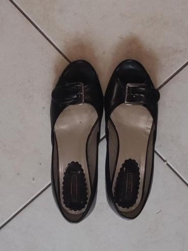 Crne cipele sa manjom stiklom - Vrsac