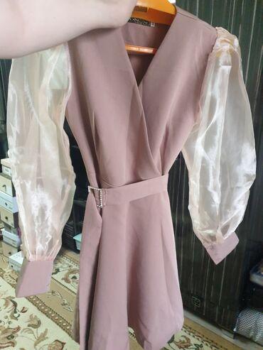 Продаю платье одевала пару раз