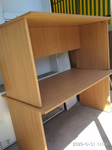 Столы офисные в хорошем состоянии