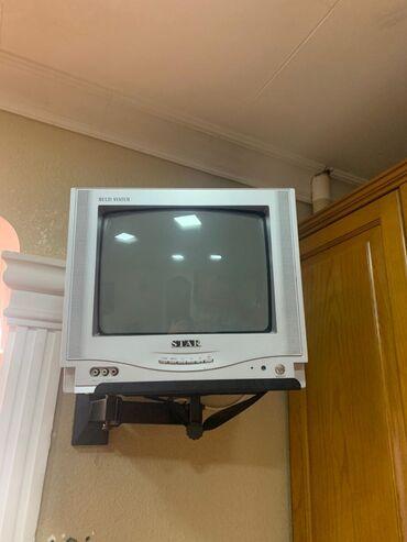 Televizor və podstavka 35 azn.Yasamal