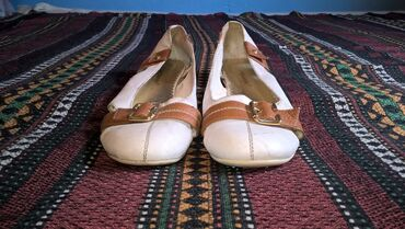 Zenske sandale broj 37-duzina gazista je cm.- bez ostecenja