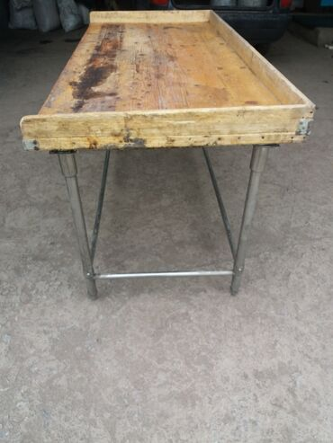 44 объявлений: Продаются кондитерские столы б/у 4 штуки размер 1.80×0.8×0.8 м. Цена 6