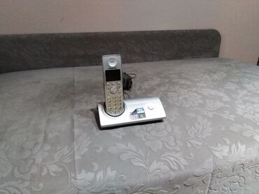 Elektronika - Kraljevo: Panasonic bezicni fiksni telefon sa color ekranom. poptuno ispravan i