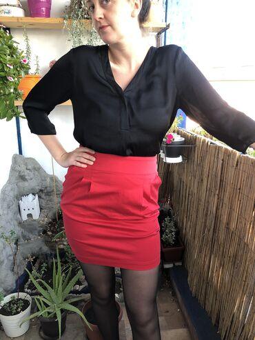 Terranova crvena suknja sa visokim strukom u M velicini