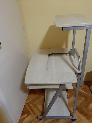 Kompjuter - Srbija: Očuvani kompjuterski sto koji se može koristiti kao radni sto i kao