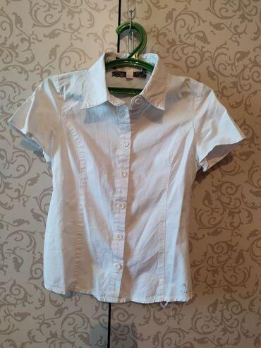 блузки для школы в Кыргызстан: Школьная блузка на девочку 7-8 лет. Б/У ОТЛИЧНОЕ СОСТОЯНИЕ. Х/Б. 150 с