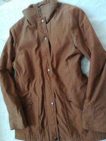 Ženska odeća | Vranje: Kvalitetna braon jakna postavljena GX, vel 42, kopčanje na rajfešlus i