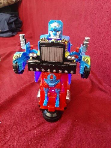Təzə doğulanlar üçün transformer qış kombinezonları - Azərbaycan: Transformer robot təzə iqruşka.batareya üstündə hazırdı.hereket edir