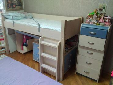 Комплект детской мебели, двухъярусный: кровать, письменный стол