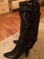 Zenske kozne cizme u crnoj boji, broj 39, postavljene, mekana koza, ob - Beograd