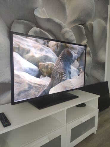 ТВ и видео - Кыргызстан: В связи с выездом!!!Продаю телевизор б/у,Самсунг, модель ue42f5000ak с