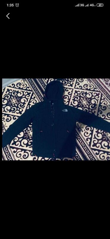 размера л в Кыргызстан: Продаю куртку, ветровка фирма от miccavrlliсост,новый,не