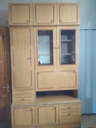 шкафов в Кыргызстан: Стенка состоящая из трёх таких же шкафов в хорошем состоянии цена