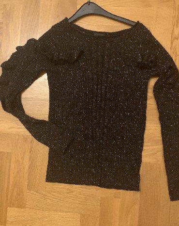 qoroşkalı qadın bluzu - Azərbaycan: Liu Jo bluz, gollari volanlı 1 defe geyinilib 15m