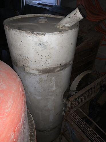 Продаю топливный бак на рефрижератор, примерно 200-250 литров, с