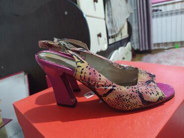 Женская обувь - Теплоключенка: Продаю бу босоножки. отличного качества