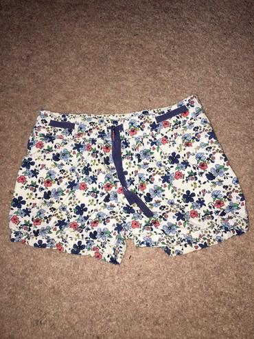 H&M 2 пары шорт для девочки, состояние отличное, размер: 4-5 лет