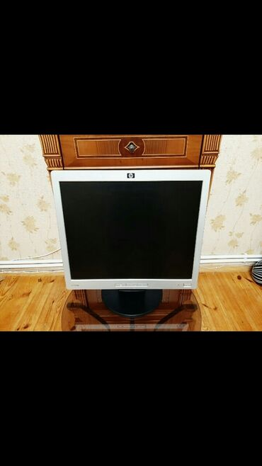 audi a3 18 tfsi - Azərbaycan: Monitor HP L1706, 17 ekran, rəngi boz metallik, əla işləyir, heç bir p