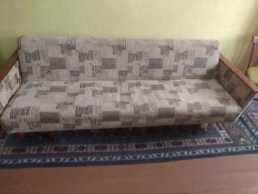 где купить ткань для мебели в Кыргызстан: Раскладной диван б/у от чешского гарнитура,родная ткань красная