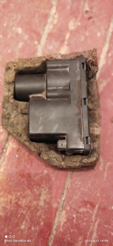 Вакуумный компрессор центрального замка Ауди Фольксваген-400 сом