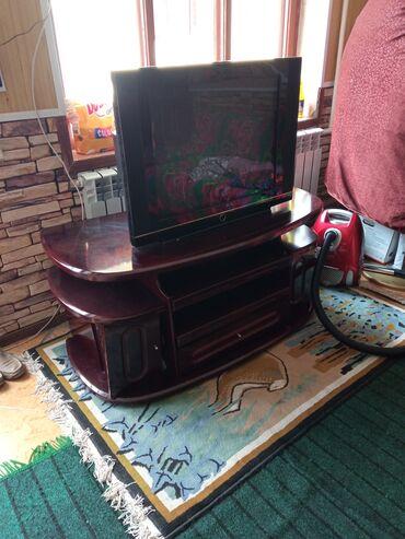 Электроника - Ивановка: Срочно продаю телевизор с тумбочкой очень хороший телевизор большой