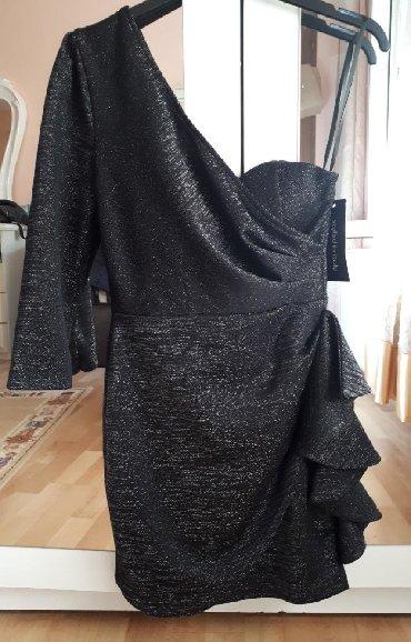 Prelepa nova sa etiketom! Uni. Italijanska haljina rastegljiva