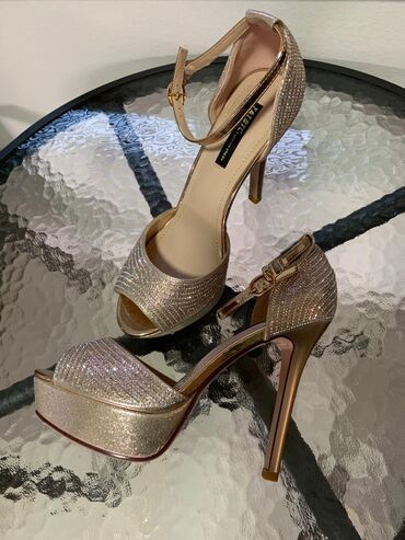 Ženska obuća | Cacak: Vogue-Hand made-Original-Crystal shoes-pune kristala-UNIKATOvako rec