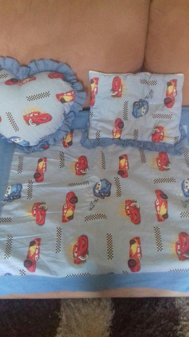 Posteljina i ogradica za krevetac veoma malo korisceno jorgan jastucic - Loznica