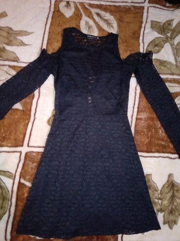Haljina cipkasta - Srbija: Crna cipkasta haljina, dugih rukava, sa golim ramenima i ledjima