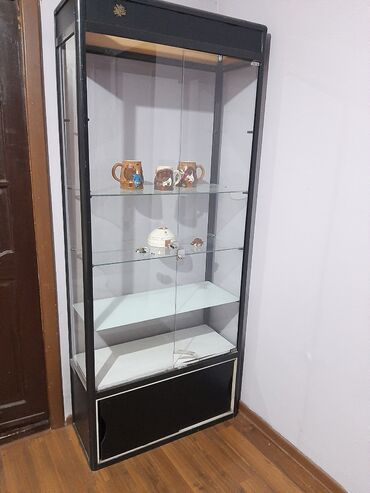 Услуги - Новопавловка: Продаются 3 витрины фирмы DIA Б/У1 витринаВысота 1.92смШирина 82