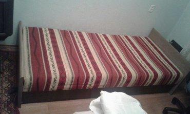продаю срочно не дорого кровать подросковую полуторку цвет светлый оре в Бишкек