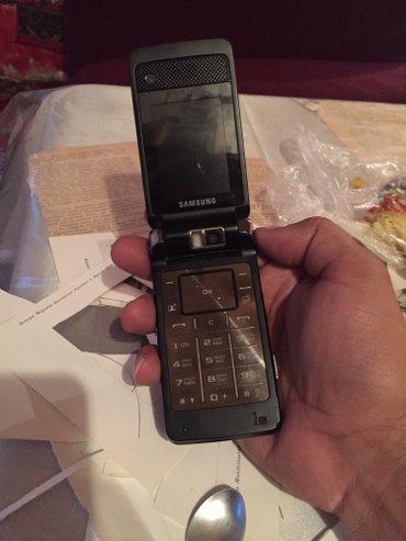 Bakı şəhərində qeyri adi telefon usd ekran sensir olan bu telefon herikiterefe firlan