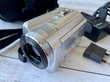 Видеокамера цифровая, модель DCR-SR68 стандартного разрешения с