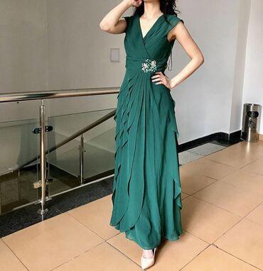 зеленое платье в пол в Кыргызстан: Платье на прокат 850сом .Платье в пол в цвете зелёного изумруда