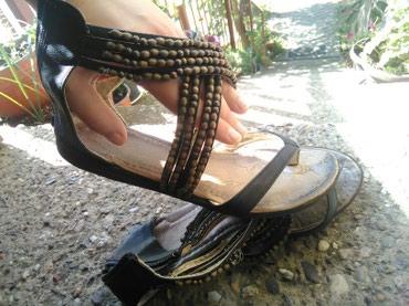 Letnje sandale sa ukrasnim perlama. broj 39 - Indija