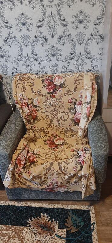 продам кресло кровать in Кыргызстан | ДИВАНЫ: Продаю кресло кровать не дорого