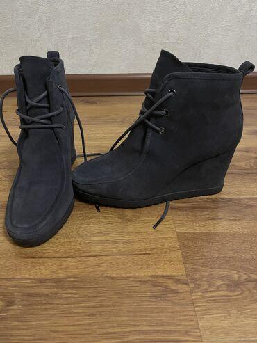 10537 объявлений: Обувь 36 размер Полусапожки коричневые Michael Kors - 5000 Полусапожки