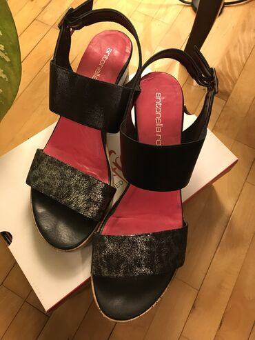 Antonella Rossi crne sandale visina potpetice 7cm veličina 41