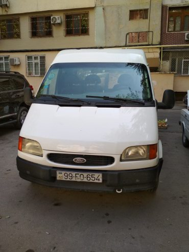 Bakı şəhərində Ford 2000 2000