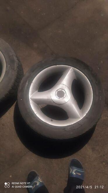 Шины и диски - Лето - Ак-Джол: Продаю или меня на 17 диски. Покрышки и диски в харошем состояние