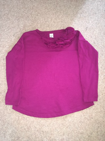 Zara футболка, состояние отличное, размер: 4-5 лет