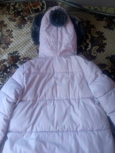 пуховики на зиму в Кыргызстан: Куртка пуховик оочень теплая на зиму, размер xl.пойдет до 48