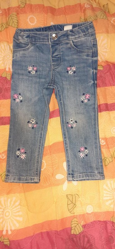 Pantalone farmerice br - Srbija: Farmerice za devojcice, H&M, velicina 80, brzo ih je prerasla