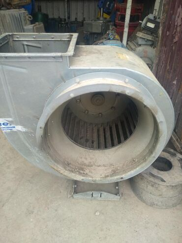 Продаю вытяжной вентилятор 4-ка среднего давления