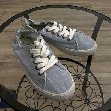 Продаётся обувь. 38 размер. Легкие, в хорошем состоянии. 500 сом